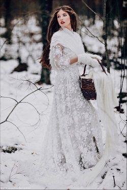 Αξεσουάρ νύφης για ένα χειμωνιάτικο γάμο